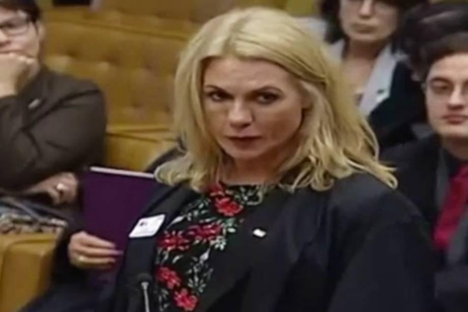 A primeira advogada transgênero a subir na tribuna do STF, Gisele Alessandra Schmidt