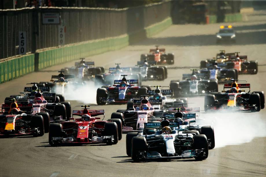 Largada do Grande Prêmio do Azerbaijão, na oitava etapa da temporada de 2017 da Fórmula 1 - 25/06/2017