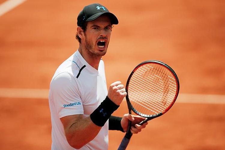 O tenista britânico Andy Murray, número um do mundo, derrotou o russo Karen Khachanov por 6-3, 6-4 e 6-4 e chegou às quartas de final de Roland Garros - 05/06/2017