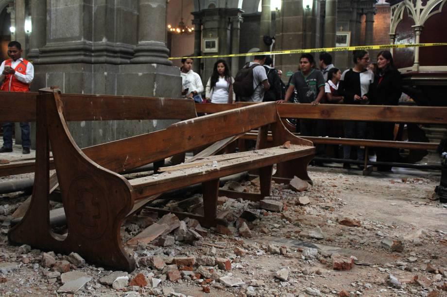 Igreja fica parcialmente destruída após um terremoto em Quetzaltenango, na Guatemala. O tremor de magnitude 6,9 atingiu o oeste da Guatemala e deixou ao menos duas pessoas mortas, cortes de energia e danos a alguns edifícios - 14/06/2017