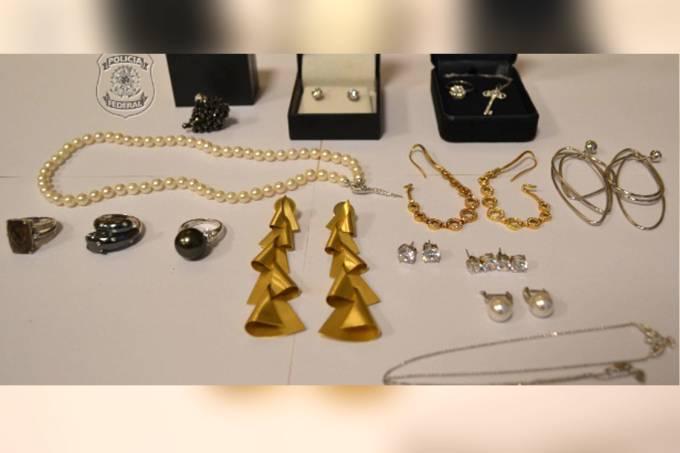 Polícia apreende joias de Adriana Ancelmo