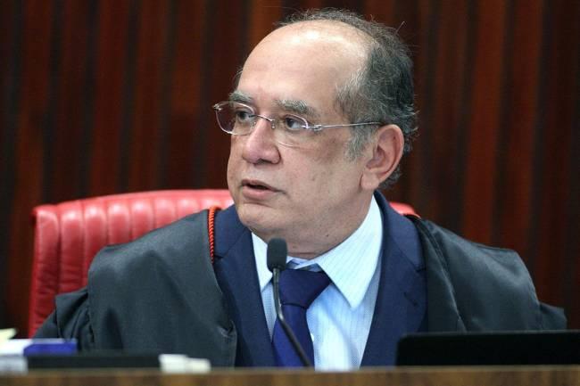 Ministro Gilmar Mendes preside sessão plenária do TSE durante julgamento da chapa Dilma-Temer, em Brasília