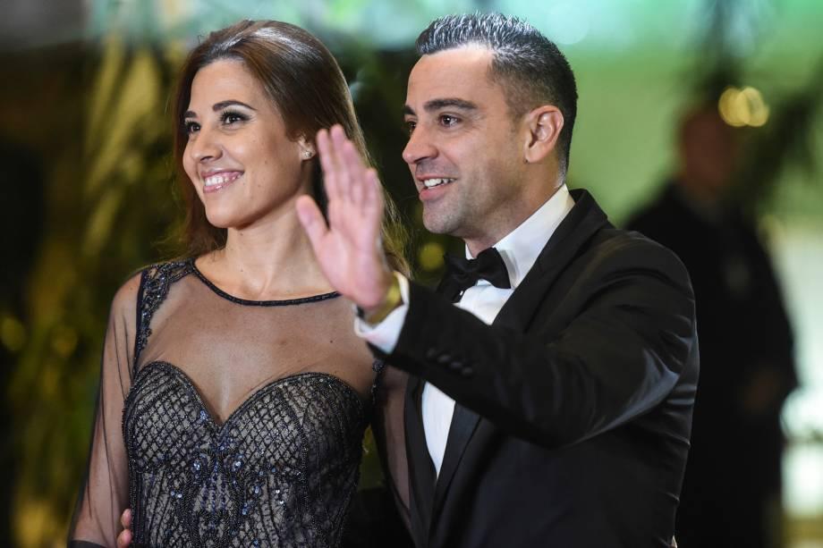 Xavi Hernandez e sua esposa chegam para o casamento de Lionel com a noiva Antonela Rocuzzo na Argentina - 30/06/2017
