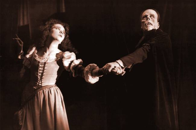 Lon Chaney e Mary Philbin Em 'O Fantasma da Ópera' (1925)
