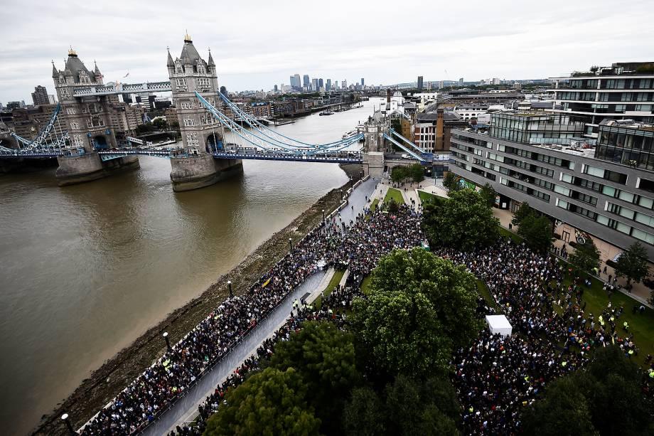 Vigília no Potters Field Park, no centro de Londres, em homenagem às vítimas do ataque na London Bridge e Borough Market  - 05/06/2017