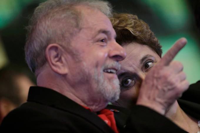 Ex-presidentes Lula e Dilma