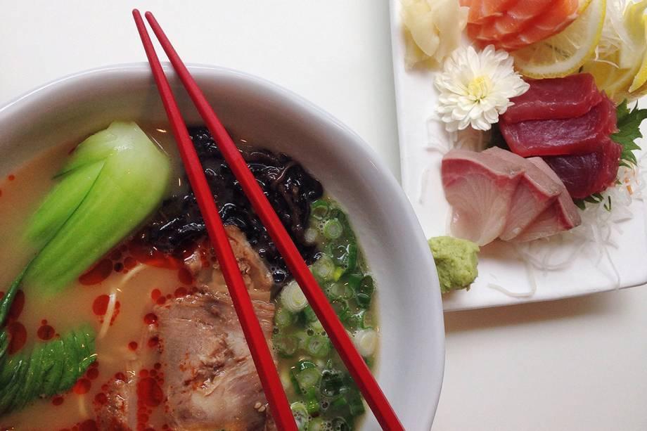 """<p style=""""text-align:justify;""""><span style=""""font-weight:400;"""">A aula de culinária começa no mercado, onde o hóspede aprende sobre alimentos e compra os ingredientes para, depois, cozinhar receitas japonesas</span></p>"""