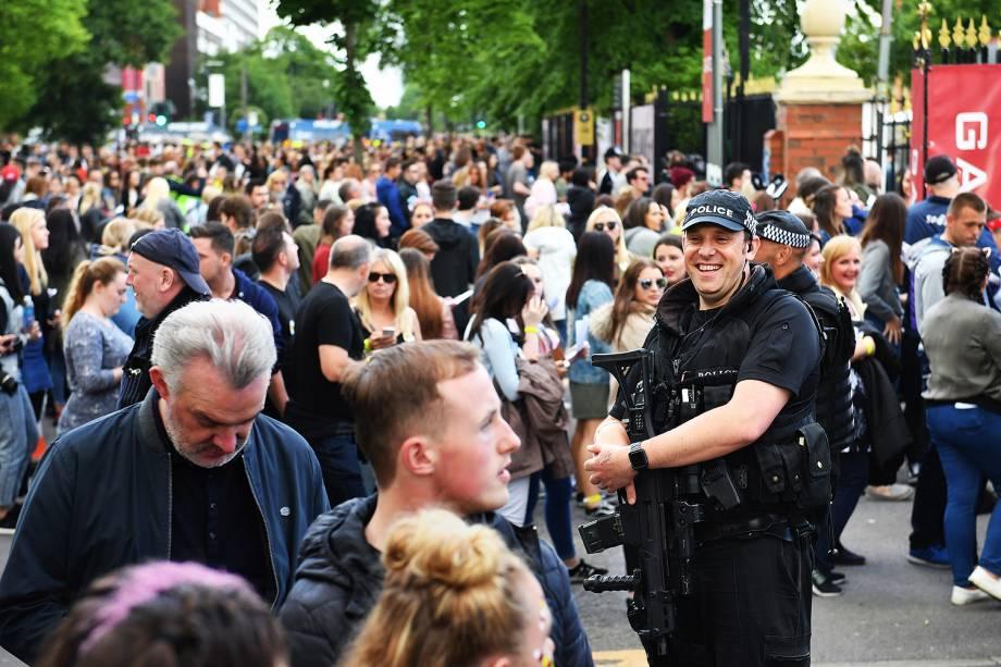 Polícia de Manchester reforça segurança em show de Ariana Grande - 04/06/2017