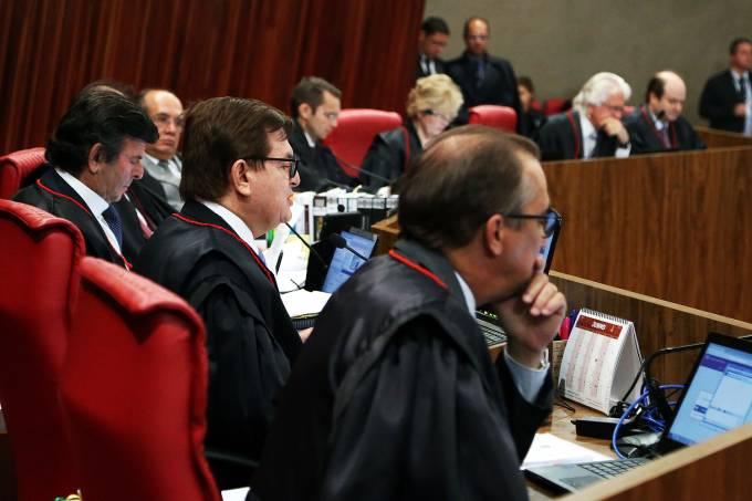 Os ministros do Tribunal Superior Eleitoral (TSE)
