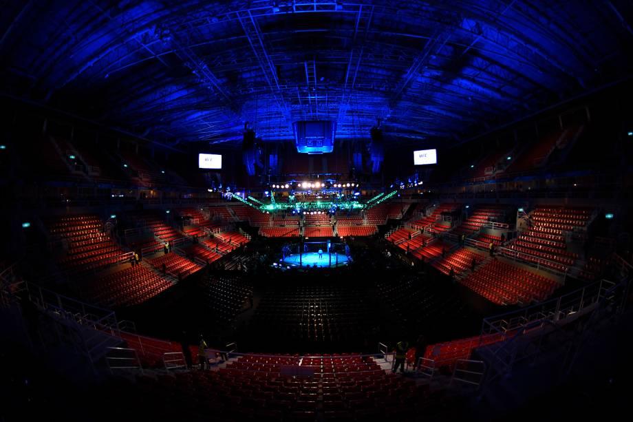 Octógono da Arena da Barra, na zona oeste do Rio de Janeiro, palco da disputa entre Aldo vs. Holloway no UFC 212 Rio