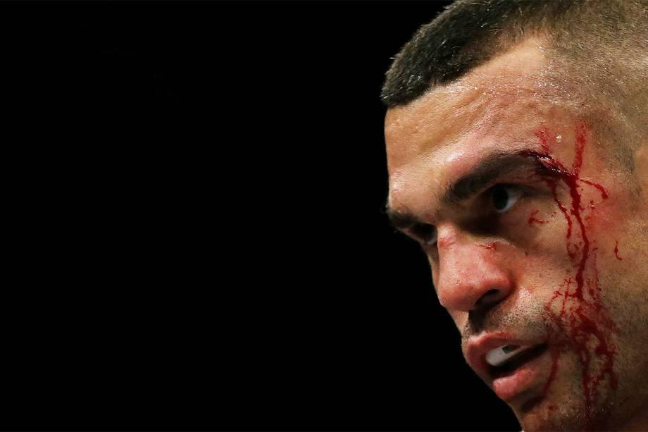 O brasileiro Vitor Belfort vence  Nate Marquardt no UFC 212, realizado na Jeunesse Arena, em Jacarepaguá, na zona oeste da cidade - 04/06/2017