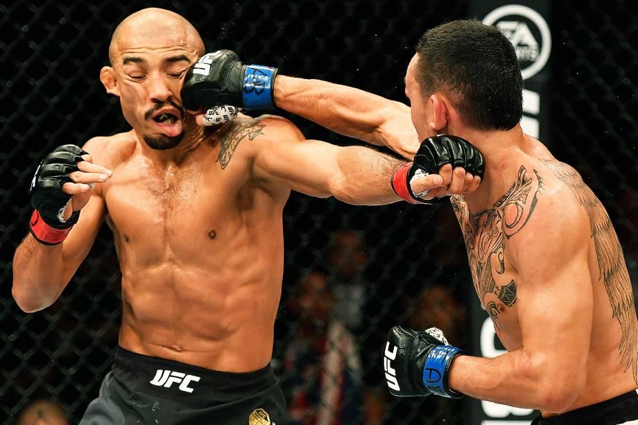 O brasileiro José Aldo perde para Max Holloway no UFC 212, realizado na Jeunesse Arena, em Jacarepaguá, na zona oeste da cidade - 04/06/2017