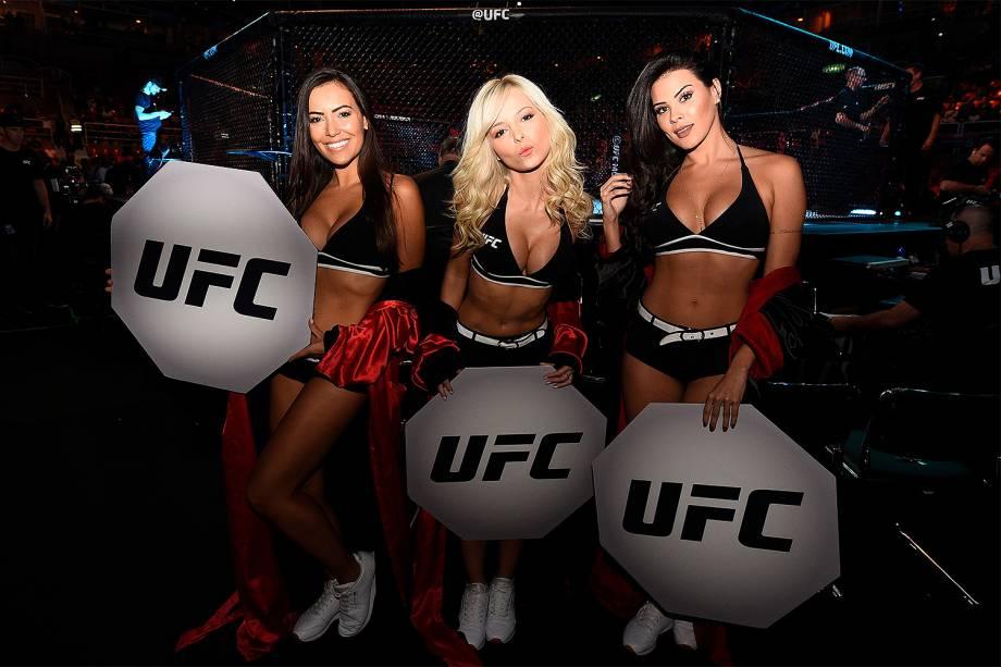 As ring girls no octógono da Arena da Barra, na zona oeste do Rio de Janeiro, palco da disputa entre Aldo vs. Holloway no UFC 212 Rio - 03/06/2017