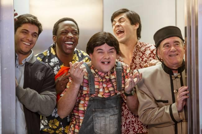Novos Trapalhões: Didi (Renato Aragão), Zaca (Gui Santana), Dedeco (Bruno Gissoni), Mussa (Mumuzinho ) e Didico (Lucas Veloso)