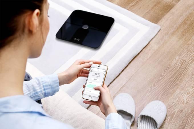 A balança BodySense, da Mobimax, grava dados em informações diretamente no celular