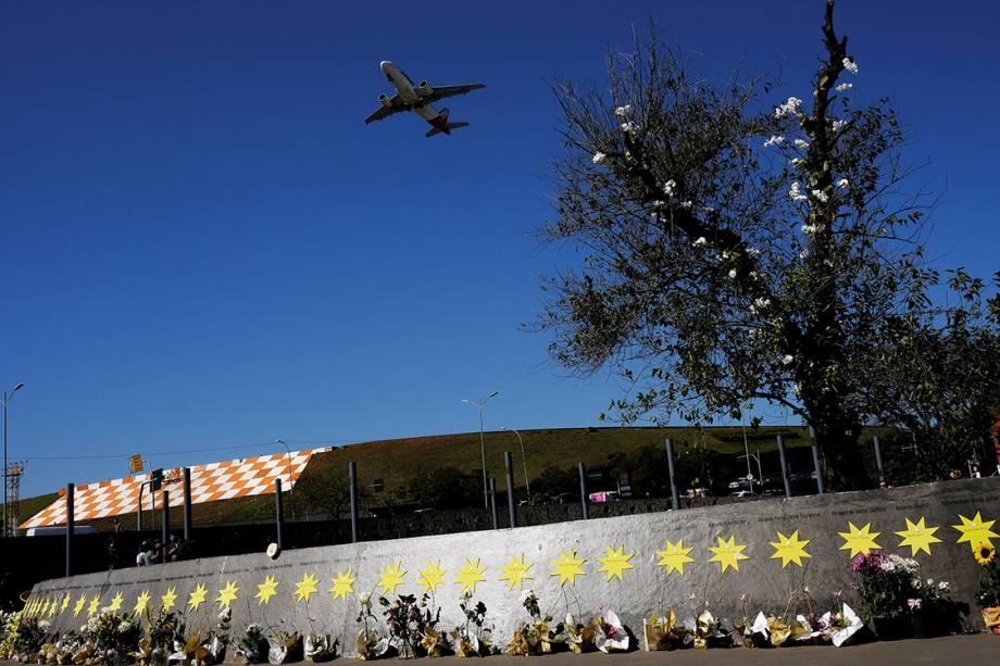 Movimentação na Praça Memorial 17 de Julho, ao lado do Aeroporto de Congonhas, em São Paulo