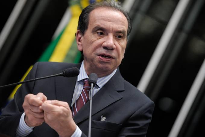 Senador Aloysio Nunes (PSDB-SP) se diz pessimista com o pacote de investimentos em infraestrutura lançado pelo governo federal