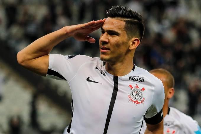 Balbuena,do Corinthians, comemora gol