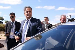 Aécio retorna ao Congresso Nacional