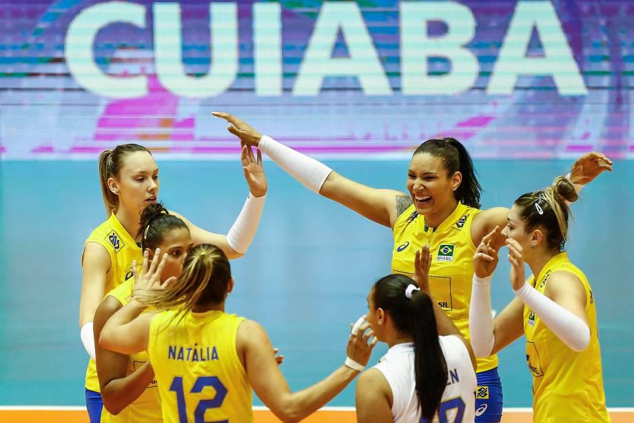 Seleção feminina do Brasil derrotou Holanda pela terceira rodada do Grand Prix de vôlei feminino, no ginásio Aecim Tocantins, na cidade de Cuiabá, Mato Grosso - 21/07/2017