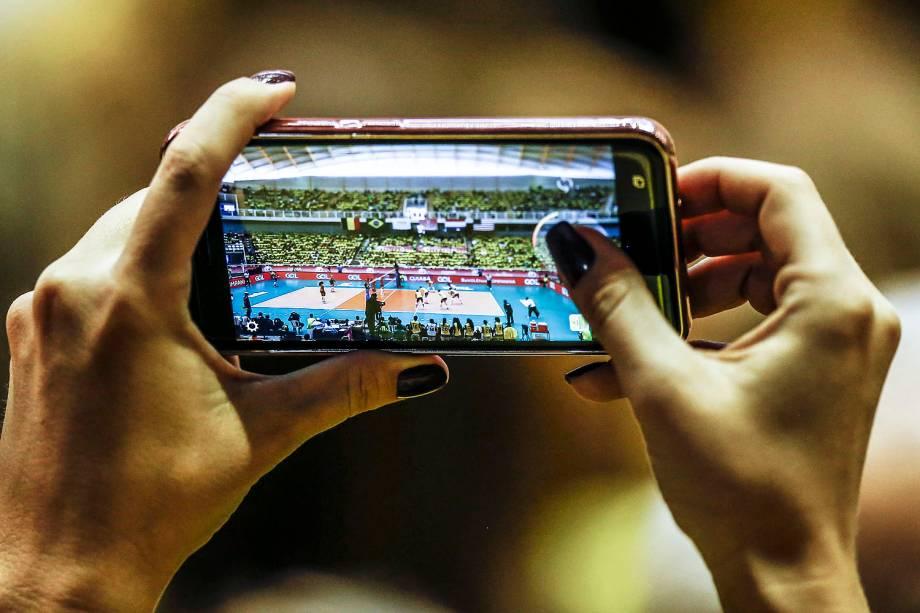 Torcida durante a partida entre partida entre Brasil e Holanda, válida pela terceira rodada do Grand Prix de vôlei feminino, no ginásio Aecim Tocantins, na cidade de Cuiabá, Mato Grosso - 21/07/2017