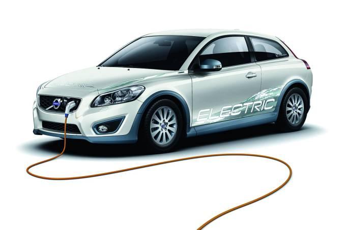 Avanço asiático – A China é líder mundial na venda de automóveis híbridos e elétricos
