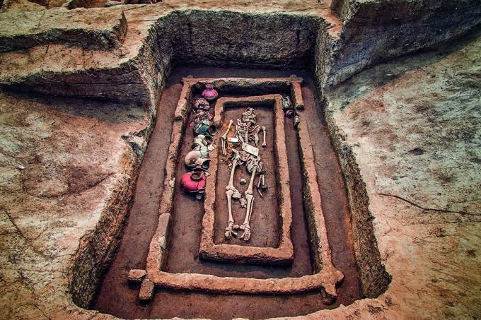 COMO TÃO ALTO? – Os restos encontrados na província de Shandong, na China, causaram espanto na comunidade científica