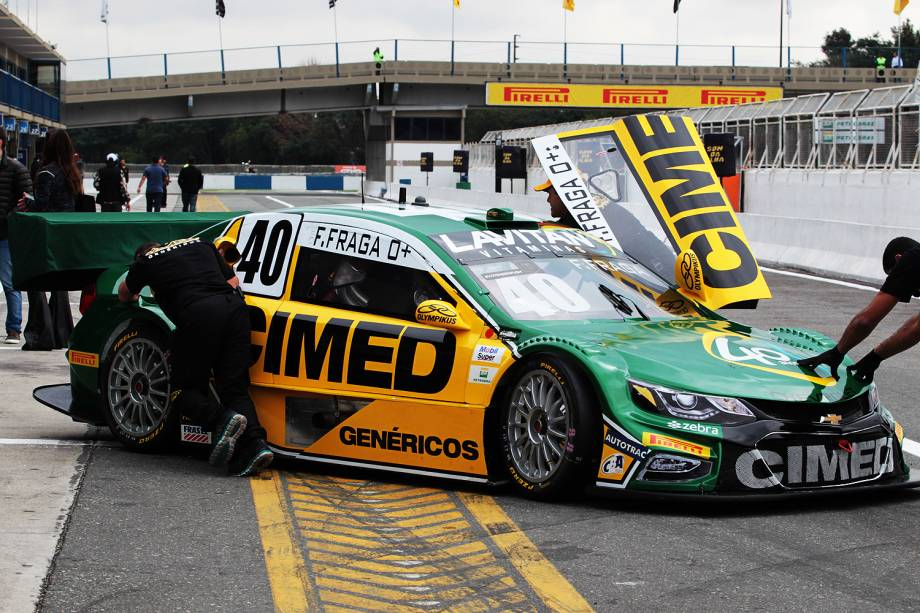 Carro do piloto da stock car Felipe Fraga durante treino de classificação para etapa de Curitiba (PR)), no autódromo internacional de Pinhais, região metropolitana de Curitiba (PR) -01/07/2017