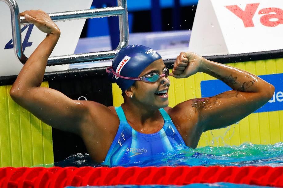 A pernambucana Etiene Medeiros ganha o ouro na prova dos 50 m costas no Mundial de esportes aquáticos de Budapeste, na Hungria - 27/07/2017