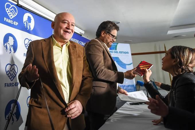 Carlos Lozada e Ivan Marquez  – FARC lançam partido político em setembro na Colômbia