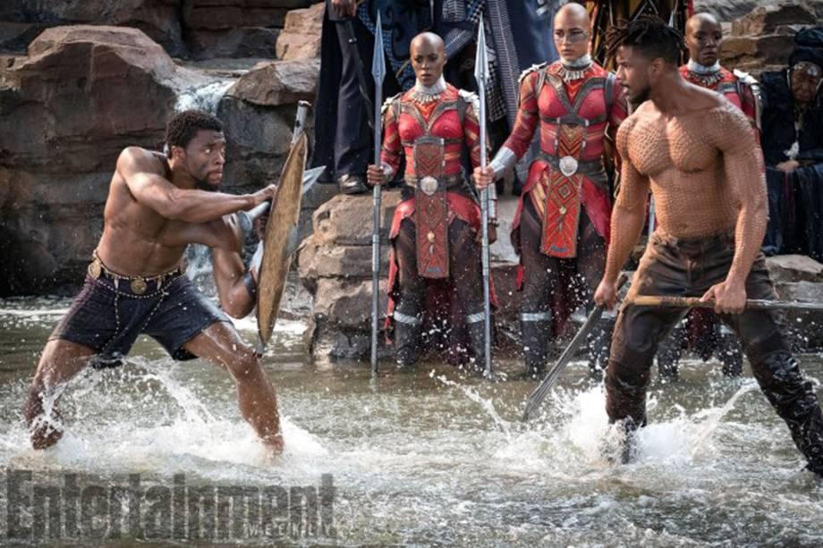 Erik Killmonger (Michael B. Jordan, a esquerda) tentará roubar o trono do rei T'Challa (Chadwick Boseman, a direita) em 'Pantera Negra'