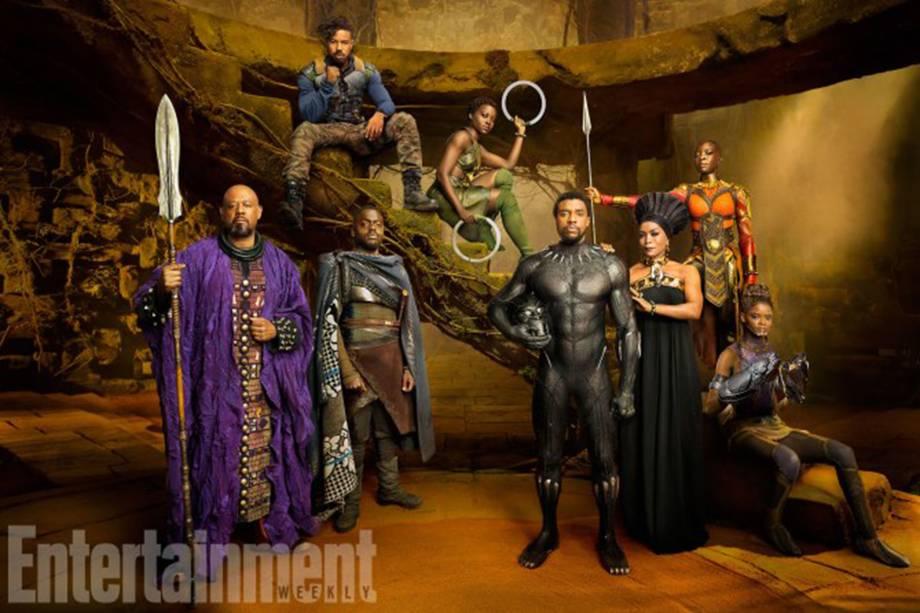 Da esquerda para a direita, os atores Forest Whitaker, Daniel Kaluuya, Michael B. Jordan, Lupita Nyong'o, Chadwick Boseman, Angela Bassett, Danai Gurira e Letitia Wright como seus personagens no filme 'Pantera Negra'