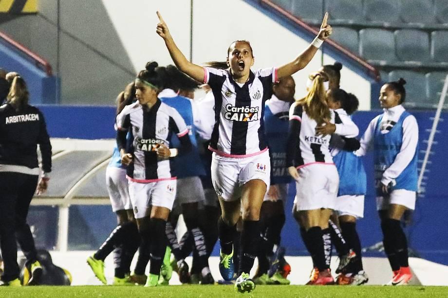 Santos conquista o título inédito do Brasileiro feminino. Comemoração do primeiro gol do Santos, anotado por Sole James durante jogo entre Corinthians e Santos realizado na Arena Barueri - 20/07/2017