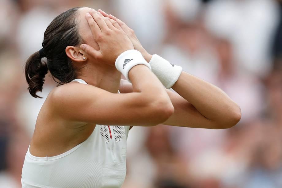 Tenista espanhola Garbine Muguruza comemora vitória na final do torneio de Wimbledon, em Londres - 15/07/2017