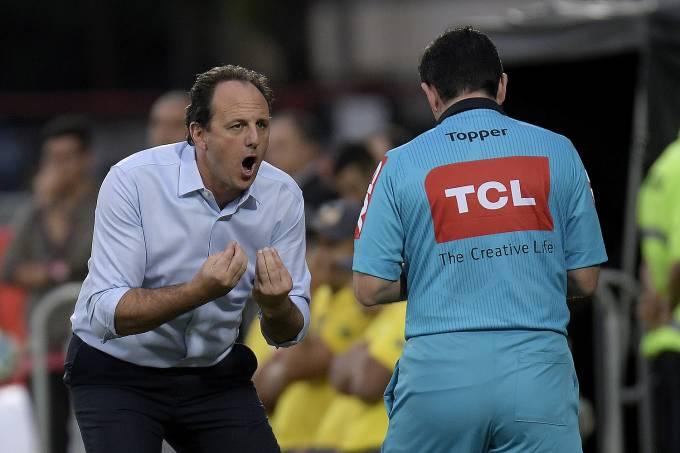 O técnico Rogerio Ceni do São Paulo