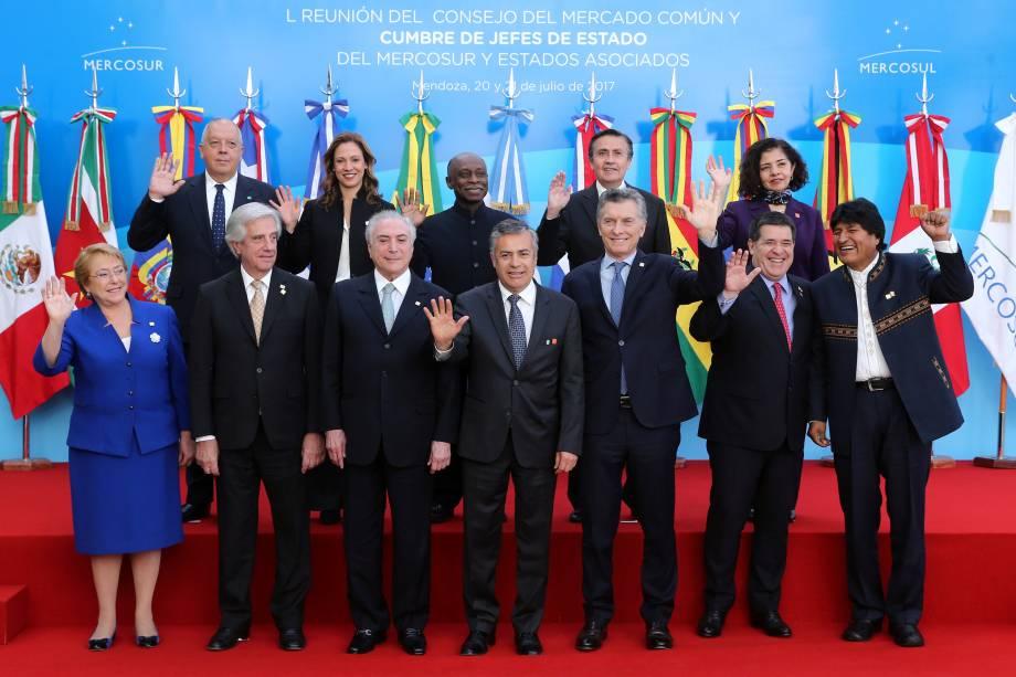 Michel Temer em foto oficial com os líderes representantes do Mercosul, em Mendonza na Argentina - 21/07/2017