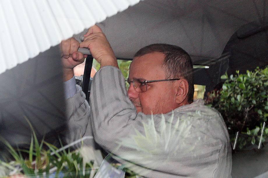 O ex-ministro Geddel Vieira Lima (PMDB) deixa o prédio da Justiça Federal, em Brasília, após para prestar depoimento ao juiz Vaslliney de Souza Oliveira - 06/07/2017