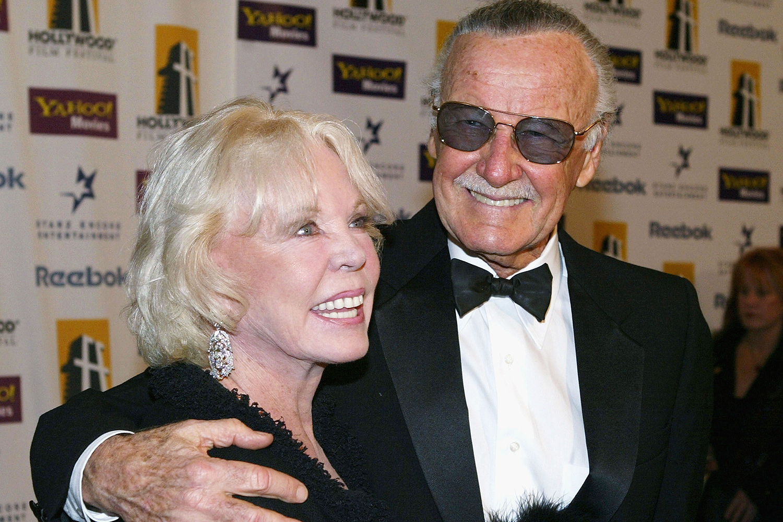 Stan Lee e sua esposa Joan