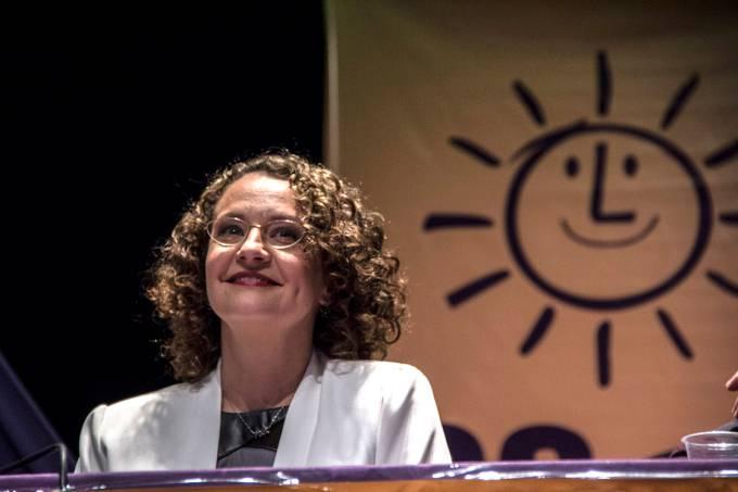 Luciana Genro durante convenção do PSOL