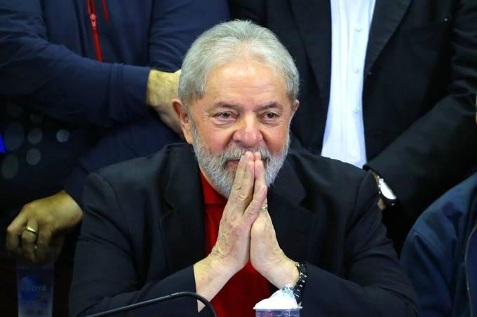 Em coletiva, Lula diz que será candidato à Presidência em 2018