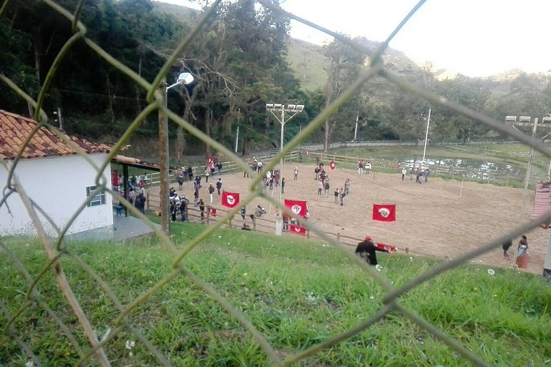 MST ocupa fazenda de Ricardo Teixeira