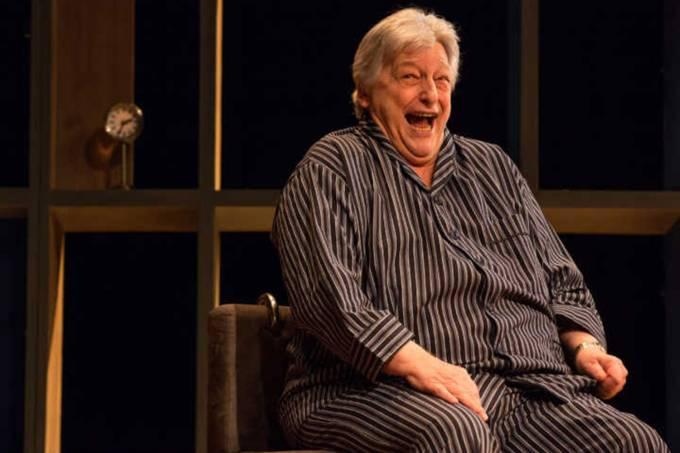 Fulvio Stefanini interpreta André, vítima de Mal de Alzheimer, na peça 'O Pai'