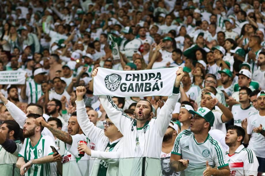 Torcedores do Palmeiras durante partida contra o Corinthians, no Allianz Parque, em São Paulo