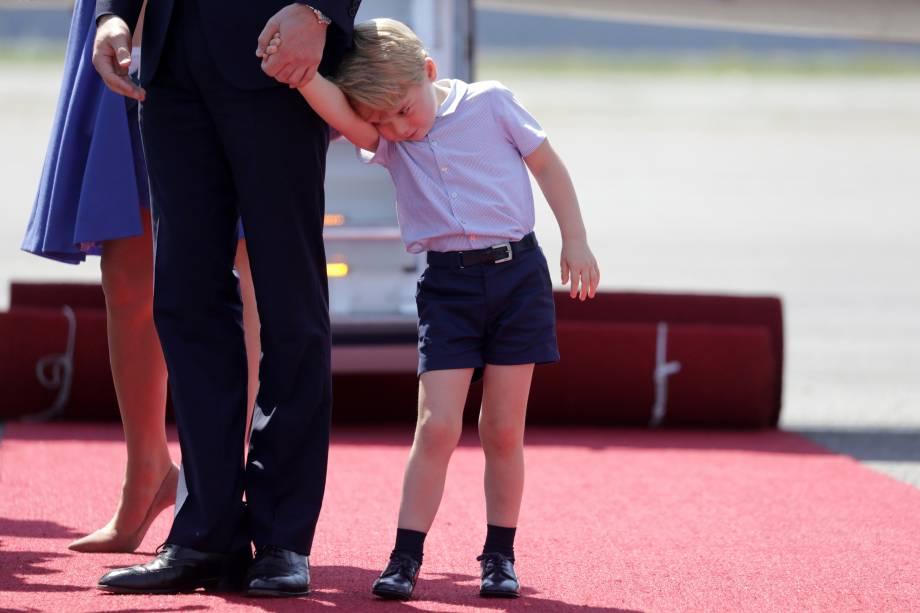 O príncipe George, filho do príncipe William e da duquesa Catherine acompanha seus pais em visita à Alemanha
