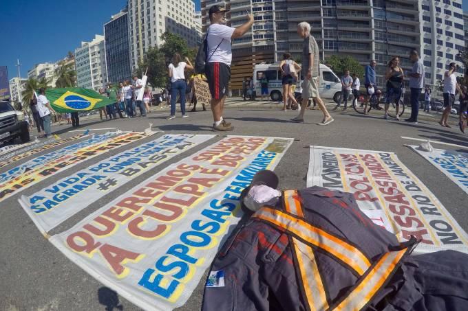 Protesto contra a morte de policias no Rio