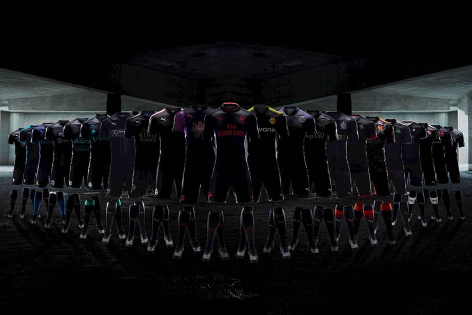 série de 23 camisas pretas