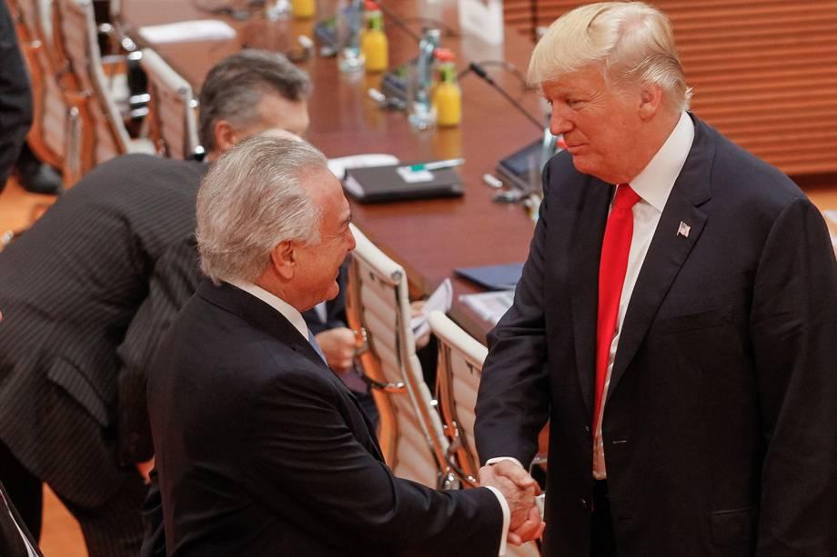 O presidente Michel Temer cumprimenta o presidente dos Estados Unidos, Donald Trump, durante a cúpula do G20, na Alemanha