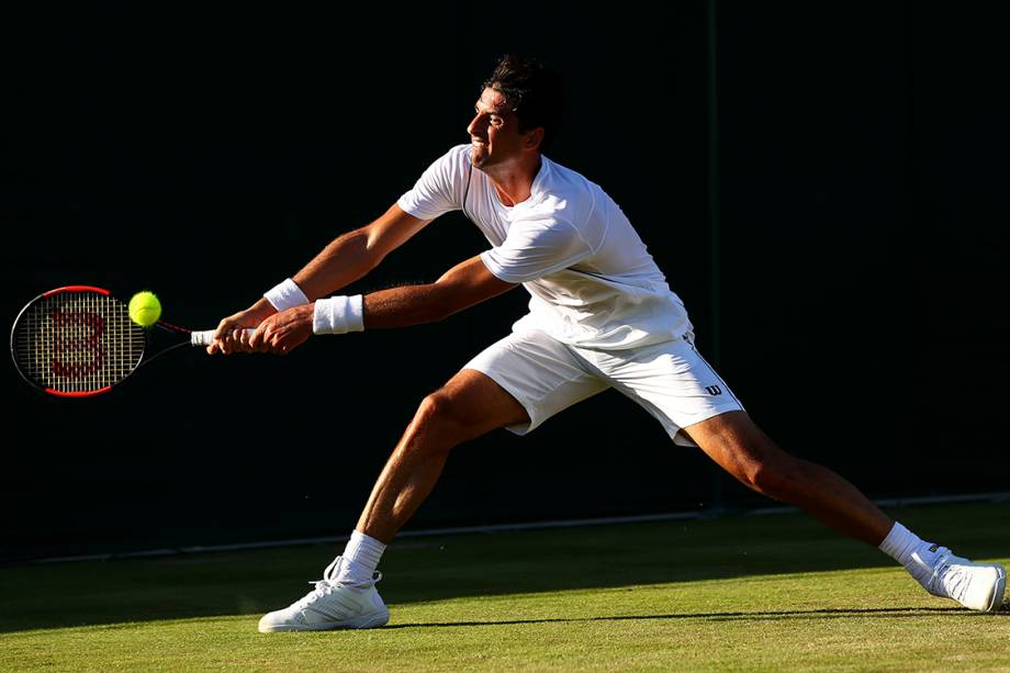 Tenista brasileiro, Thomaz Belucci, durante partida contra o austríaco Sebastian Ofner, válida pelo Wimbledon em Londres, Inglaterra - 04/07/2017