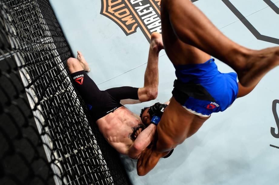 Jarred Brooks vence Eric Shelton no UFC 214 em Anaheim (EUA) - 29/07/2017