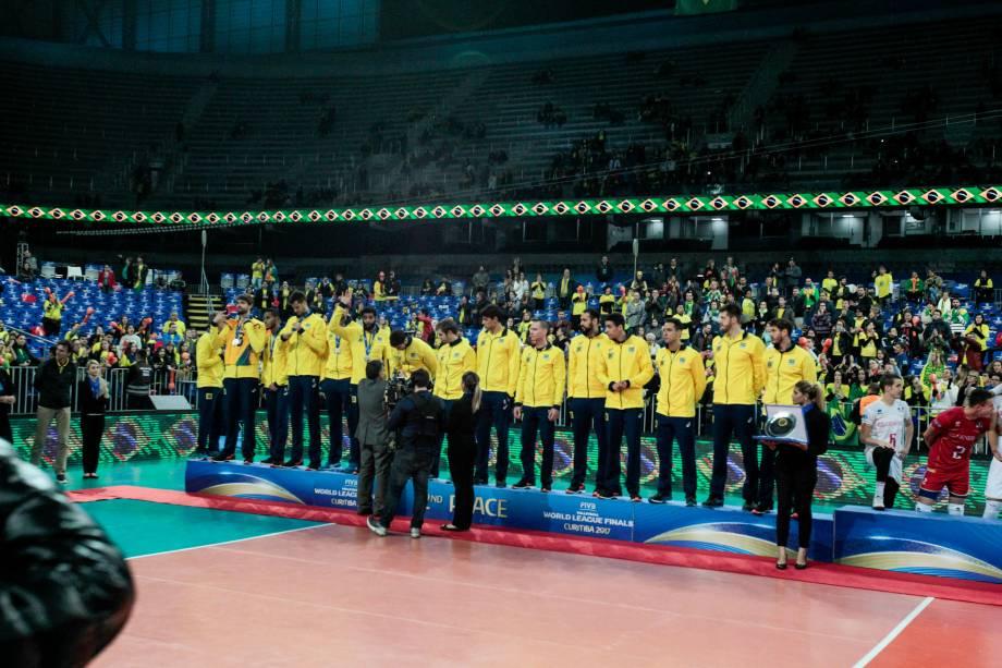 Brasil é derrotado pela França e fica com a medalha de prata na Liga Mundial de Vôlei, em Curitiba